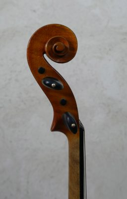 DPV220 1 256x399 - Alto Français fait main vers 1900 - Luthier à la Roche Sur Foron