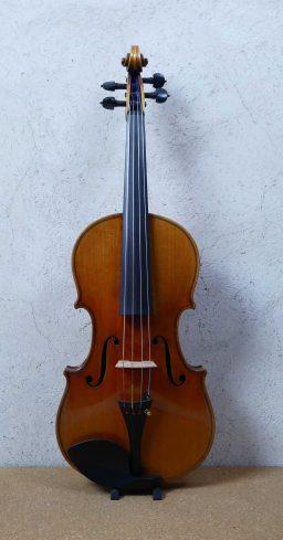 D115 1 256x489 - Alto Allemand vers 1930 - Luthier à la Roche Sur Foron