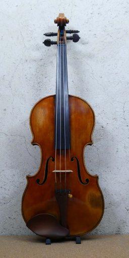 DPV243 2 256x512 - Violon Pierre Hel 1914 - Luthier à la Roche Sur Foron