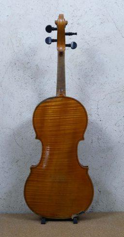 DPV249 4 256x489 - Violon Vieux Paris du XVIII - Luthier à la Roche Sur Foron