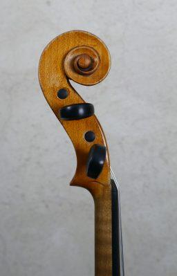 DPV249 6 256x399 - Violon Vieux Paris du XVIII - Luthier à la Roche Sur Foron