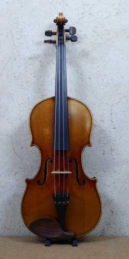 DPV252 2 256x512 - Violon Allemand en copie d'Amati - Luthier à la Roche Sur Foron