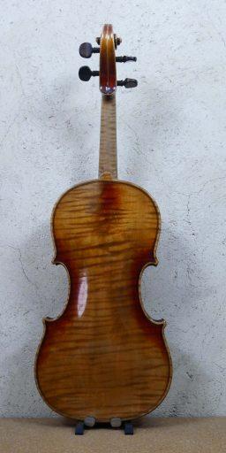 DPV252 3 256x512 - Violon Allemand en copie d'Amati - Luthier à la Roche Sur Foron