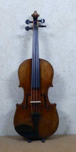 D132 1 256x512 - Violon Allemand en copie d'ancien - Luthier à la Roche Sur Foron