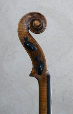 DPV262 1 256x399 - Violon de Moitessier à Paris - Luthier à la Roche Sur Foron