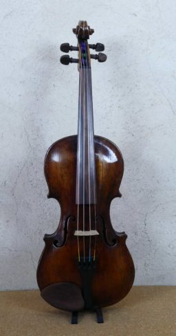 AR00533 2 256x489 - Violon Allemand en copie début XXème - Luthier à la Roche Sur Foron