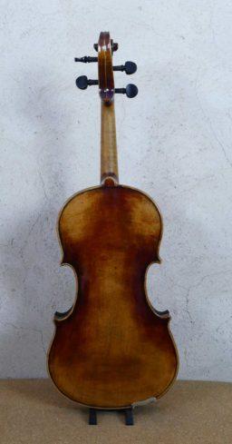 AR00534 2 256x489 - Violon Allemand patiné - Luthier à la Roche Sur Foron