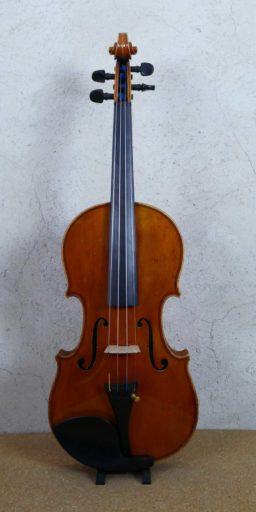 DPV269 2 256x512 - Violon copie de Guiseppe Fiorini - Luthier à la Roche Sur Foron