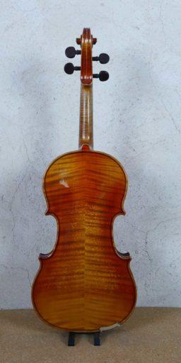 DPV272 3 256x512 - Violon Mirecourt modèle d'après J. B. Vuillaume - Luthier à la Roche Sur Foron